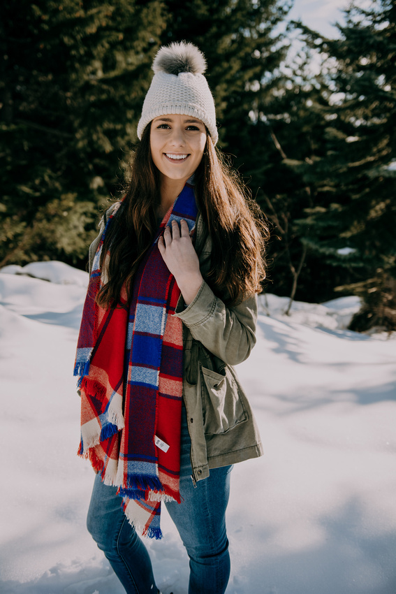 Adventure senior snow session with senior girl located at Maxwell Butte, Oregon