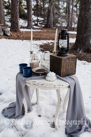 Hot chocolate cart at our winter engagement styled photo session at Scout Lake, Oregon.