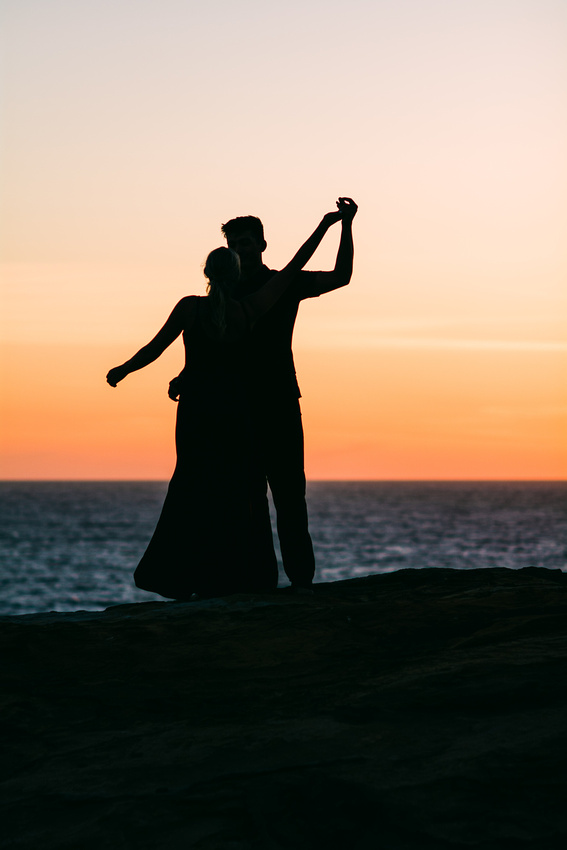 Engagement photo session at Cape Kiwanda in Pacific City, Oregon