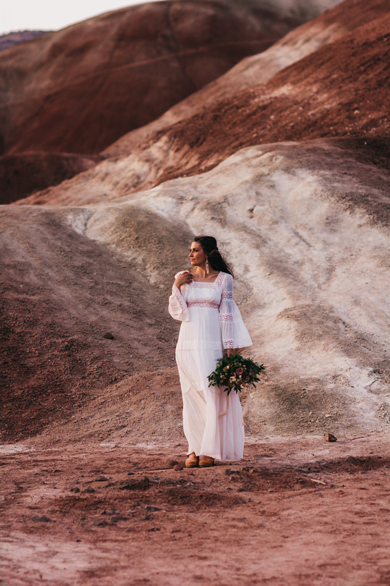 Desert Gypsy boho elopement at the Painted Hills
