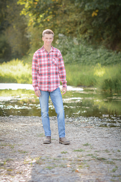 High School Senior Portraits taken in Independence, Oregon